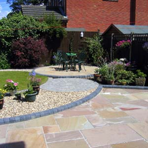 Landscape gardeners bristol wills landscaping bristol for Small patio landscaping